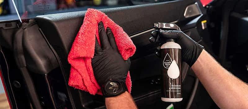 Mycie tapicerki samochodowej