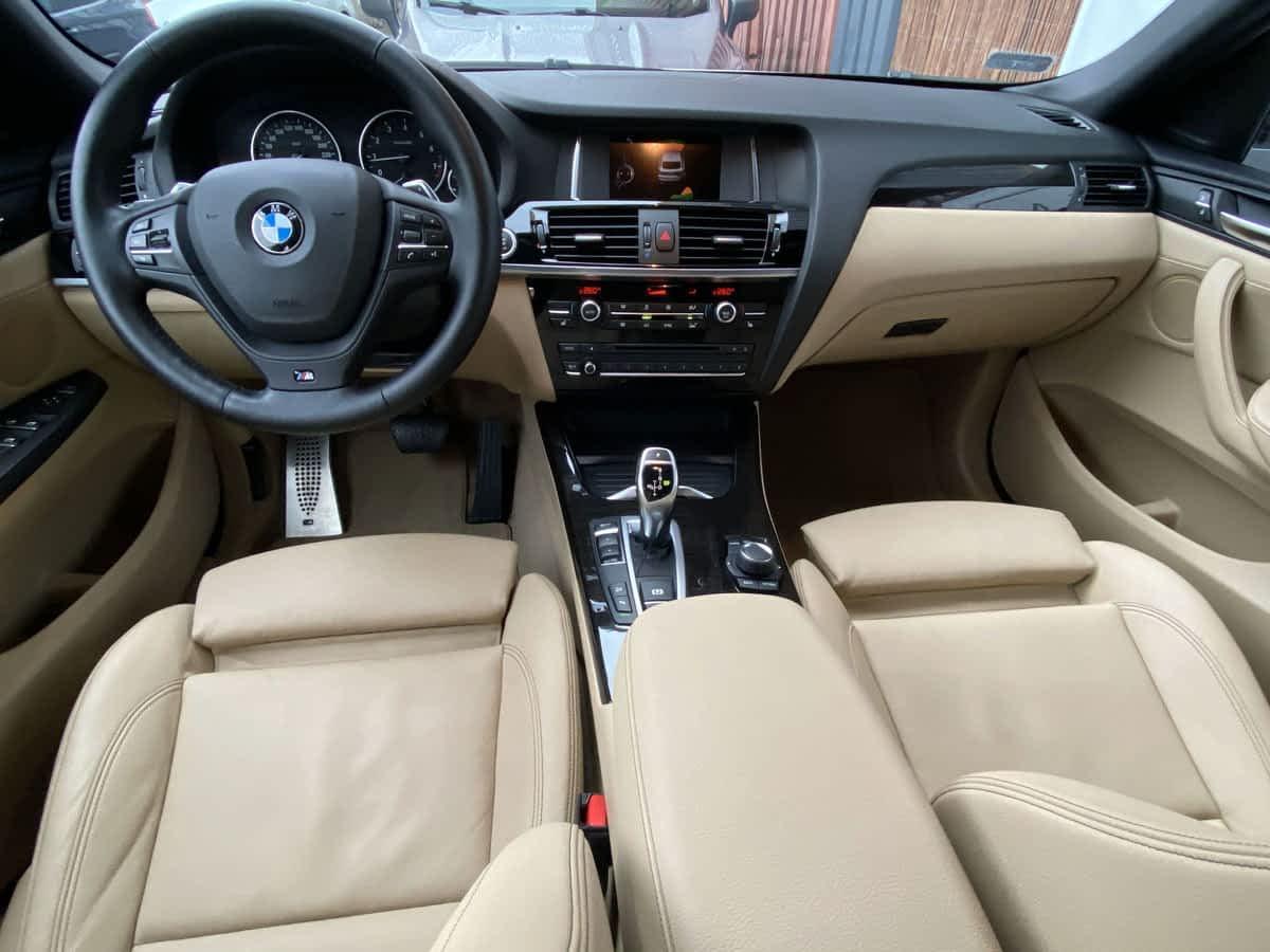 BMW X4 - detailing wnętrza 1