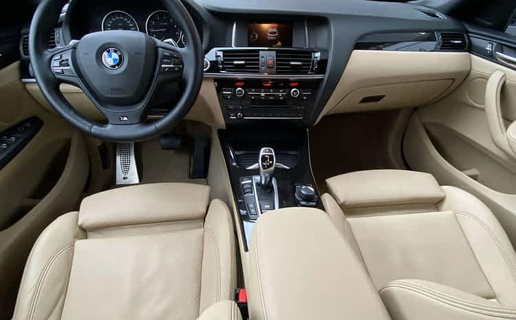 BMW X4 – detailing wnętrza