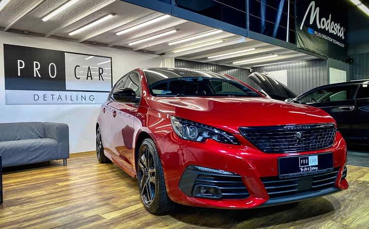 Peugeot 308 – Ultimate Red z powłoką ceramiczną