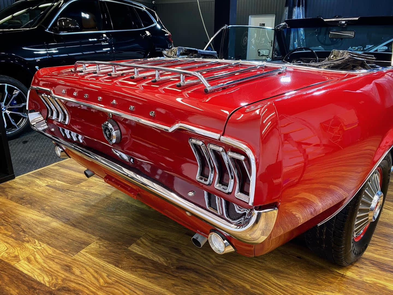 Ford Mustang Kabriolet , rocznik 1968 - korekta lakieru lvl 2 + woskowanie 1