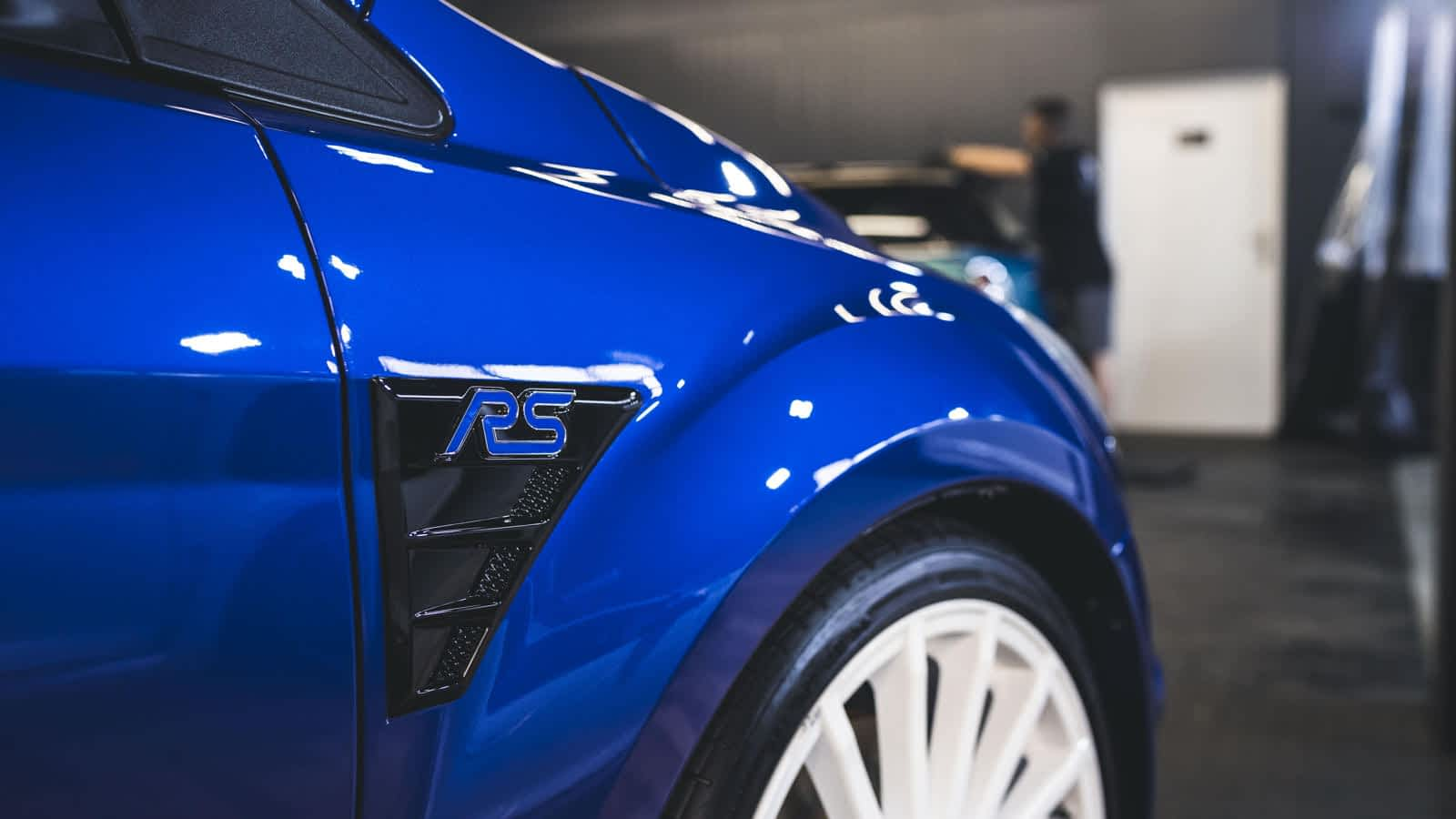 Ford Focus RS Mk2 - mega hot hatch z odświeżonym lakierem i powłoką ceramiczną 1
