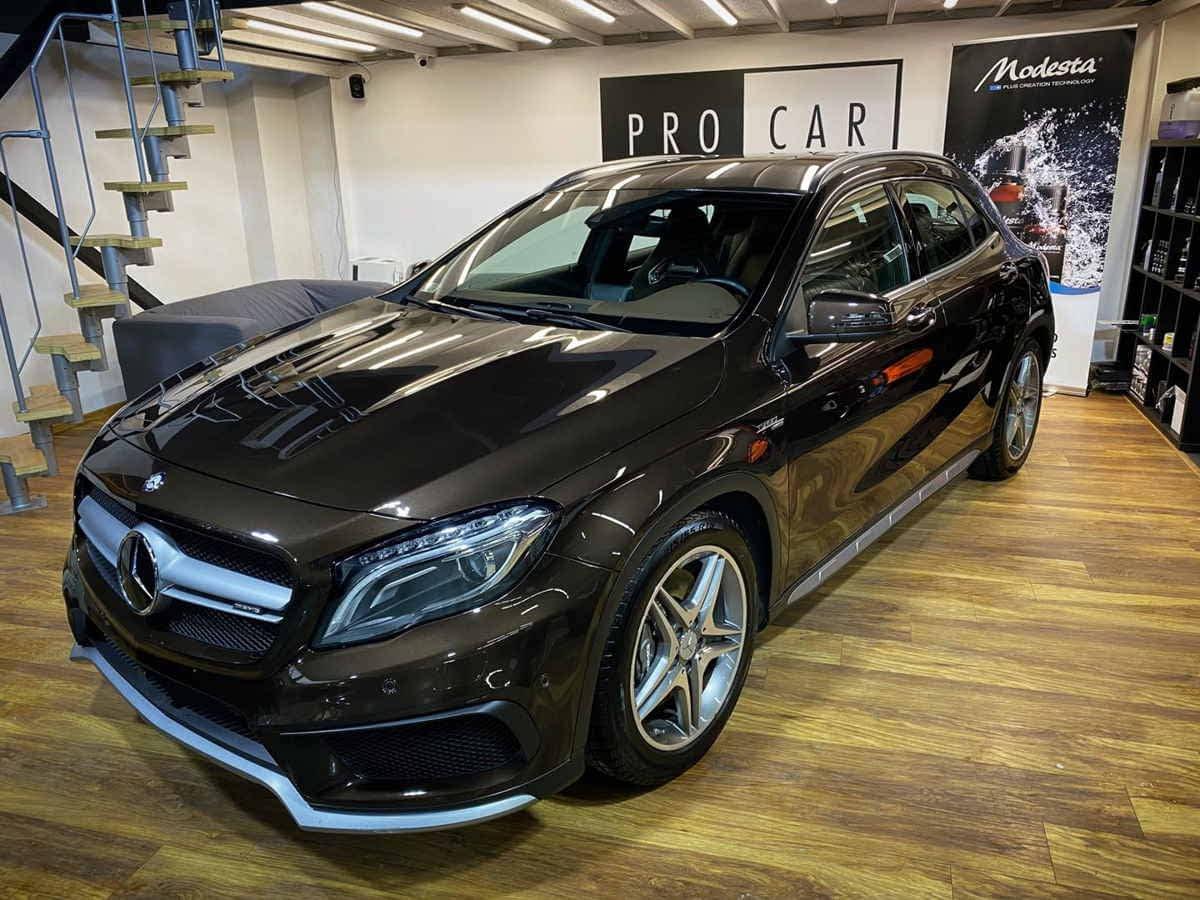 Mercedes GLA 45 AMG - korekta lakieru, powłoka ceramiczna oraz odświeżenie wnętrza 1