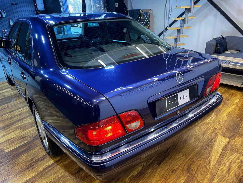 Mercedes Klasa E W210 - onestep oraz gruntowne czyszczenie wnętrza 1